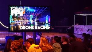 Meerdere malen per dag Drone Racing.